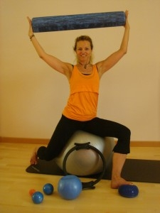 pilates_matwork_with_smallprops_dagmar_mathis
